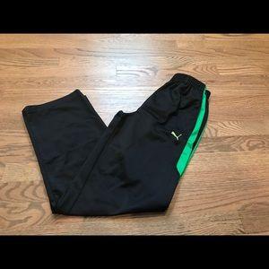 Boys puma workout pants. Size large.